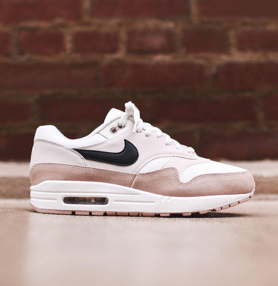 Sneaker Sneaker 1 Air Air On Nike Shouts Max — Sale Beige gqq0HI 423be8400