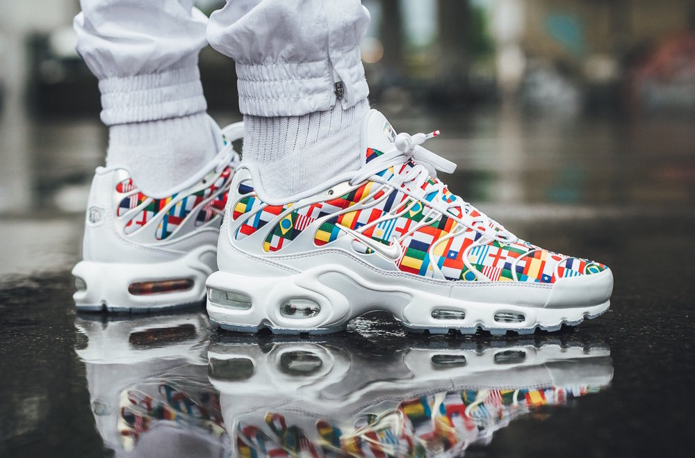 online store 9ef22 9bf13 ... new zealand nike air max plus international flags sale price 144 retail  180 free shipping use