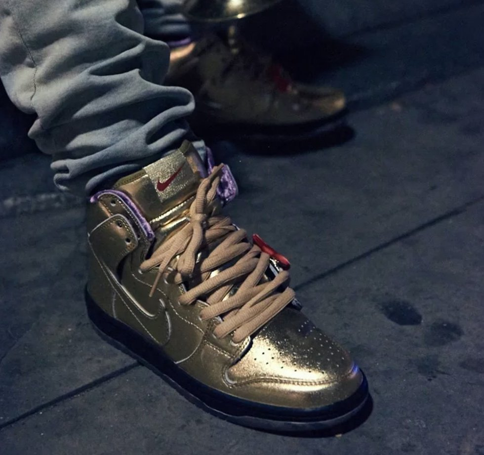 507a3f27fc18 Now Available  Humidity x Nike SB Dunk High