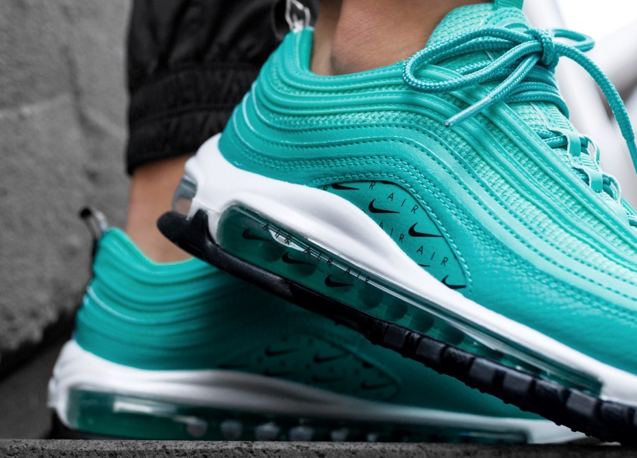 buy online d0d34 44b4a Now Available  Women s Nike Air Max 97 LX