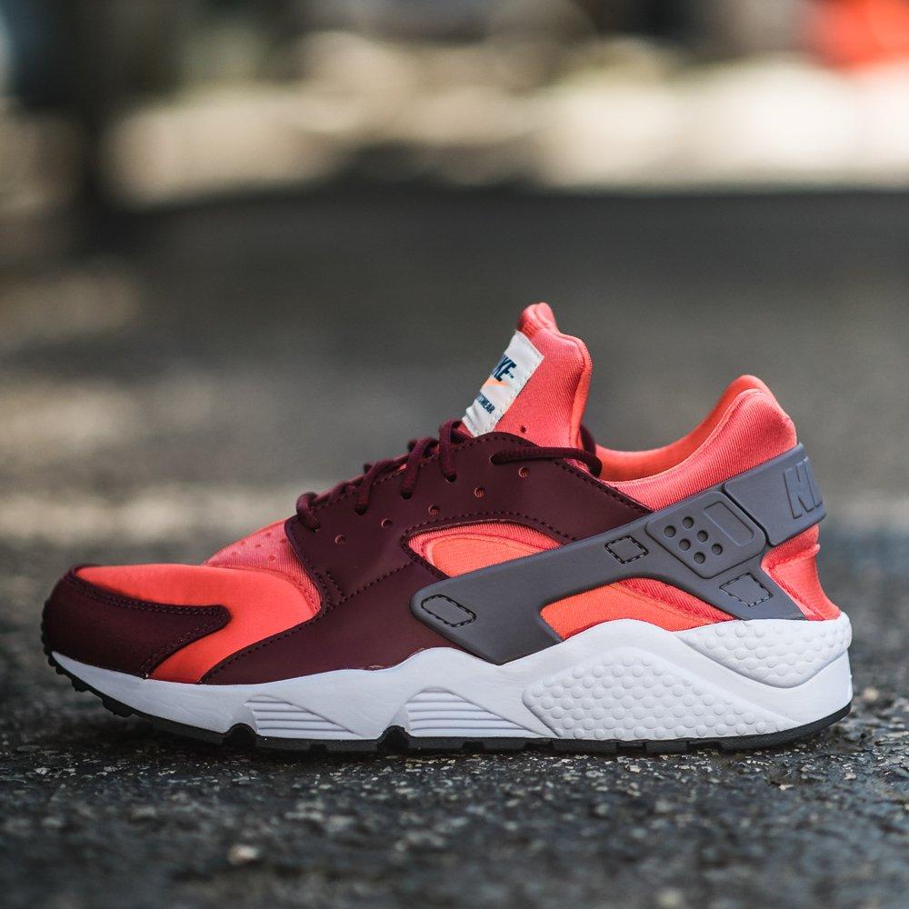 87c5feac5a2427 On Sale  Nike Air Huarache Run