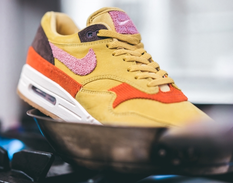 brand new a69c6 6f9c4 Now Available  Nike Air Max 1 Premium