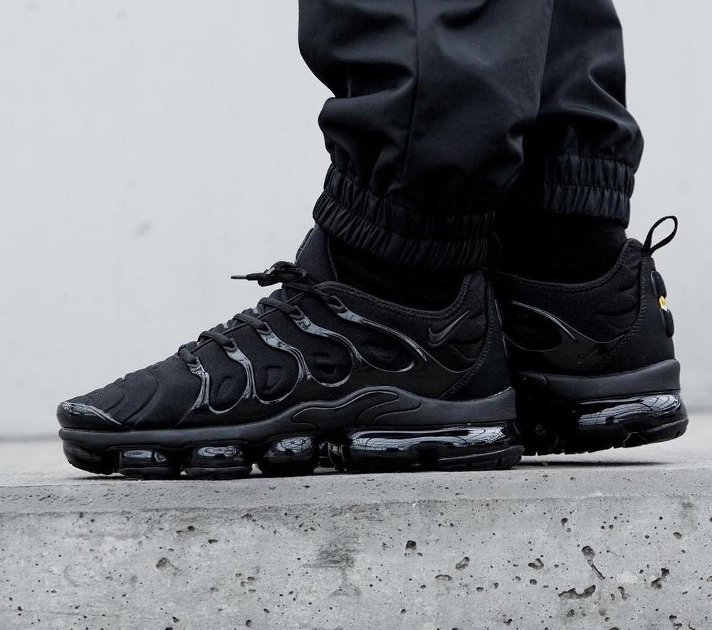 e4a46858acb On Sale  Nike Air VaporMax Plus