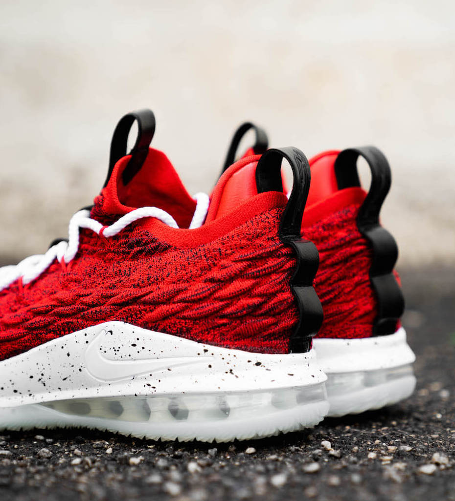 0087e632eee5 On Sale  Nike LeBron 15 Low