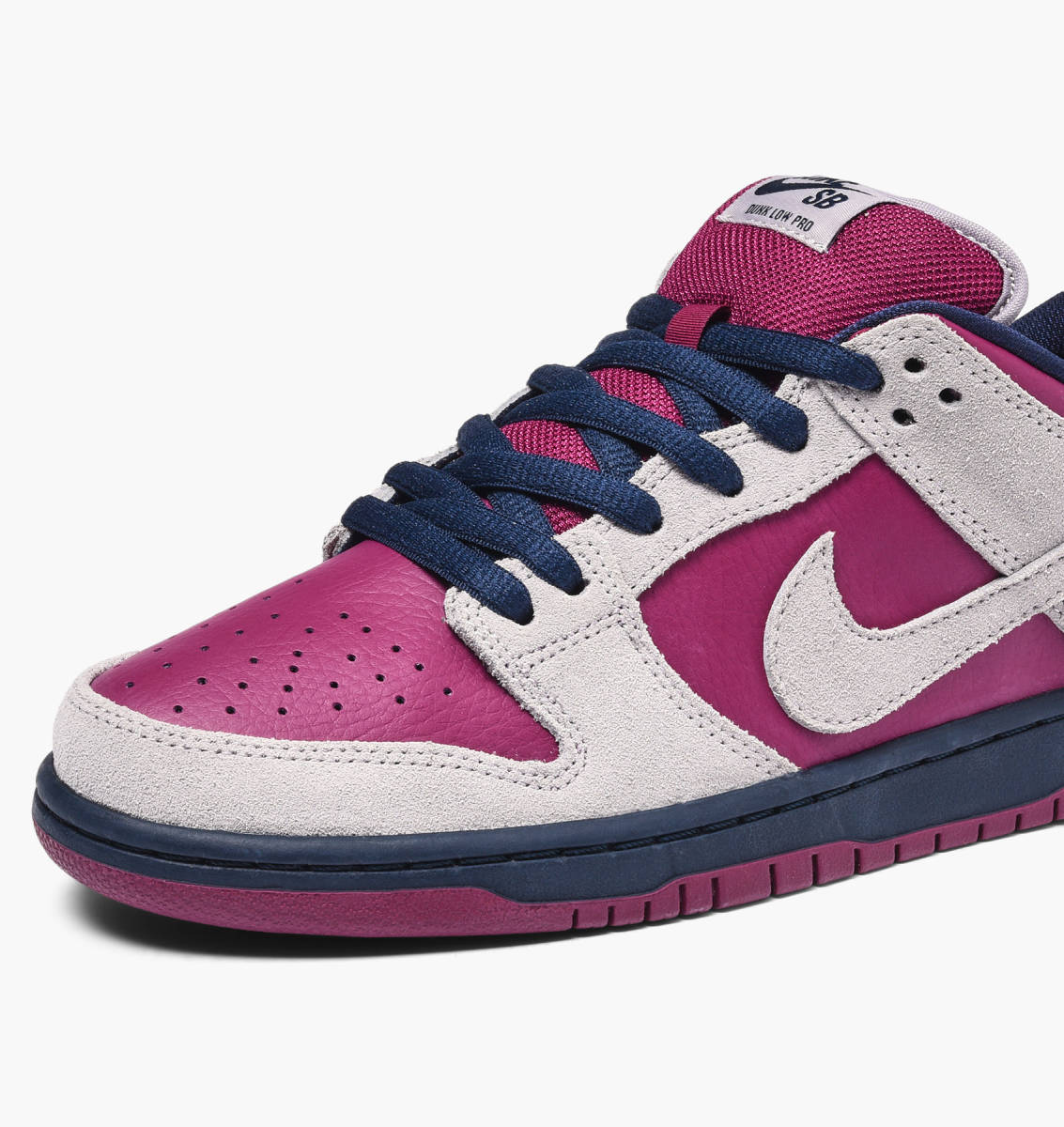 best cheap 06e65 3b045 Now Available: Nike SB Dunk Low Pro