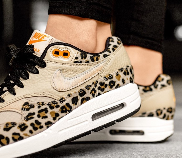 best loved aed14 05893 nike-wmns-air-max-1-prm-leopard-desert-