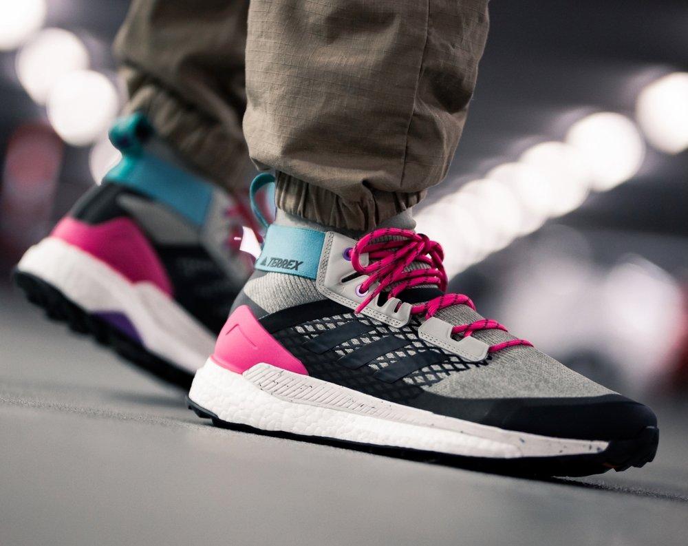adidas-terrex-free-hiker-beige-pink-d97835-mood-1.jpg