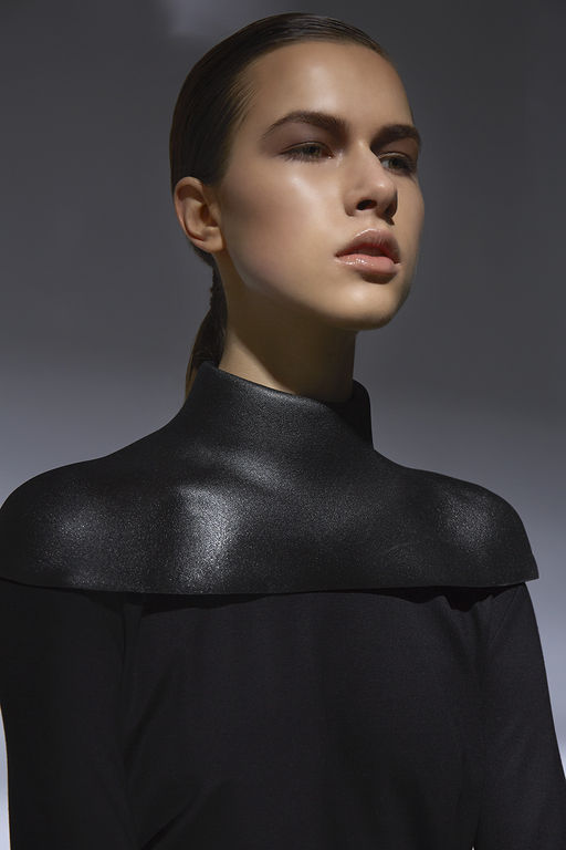 + Molded Foam Structured Neck