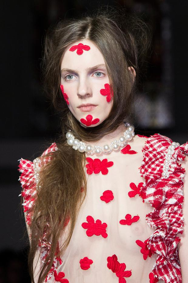 simone-rocha-beauty-autumn-fall-winter-2015-lfw25.jpg