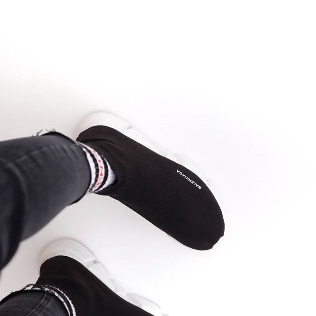 Weekend comforts . . . . . . . . . . . . . . . . . #bw #minimalism #mnml #shoes #socks #urbanwear #folkvibe #black #vetements #balenciaga #welivetoexplore #fujifilm #createexplore #sneakers #daily #footwear #minimalist #casualstyle #simple #jeans #agameoftones #uncalculated #shoes👠 #trainer #denim