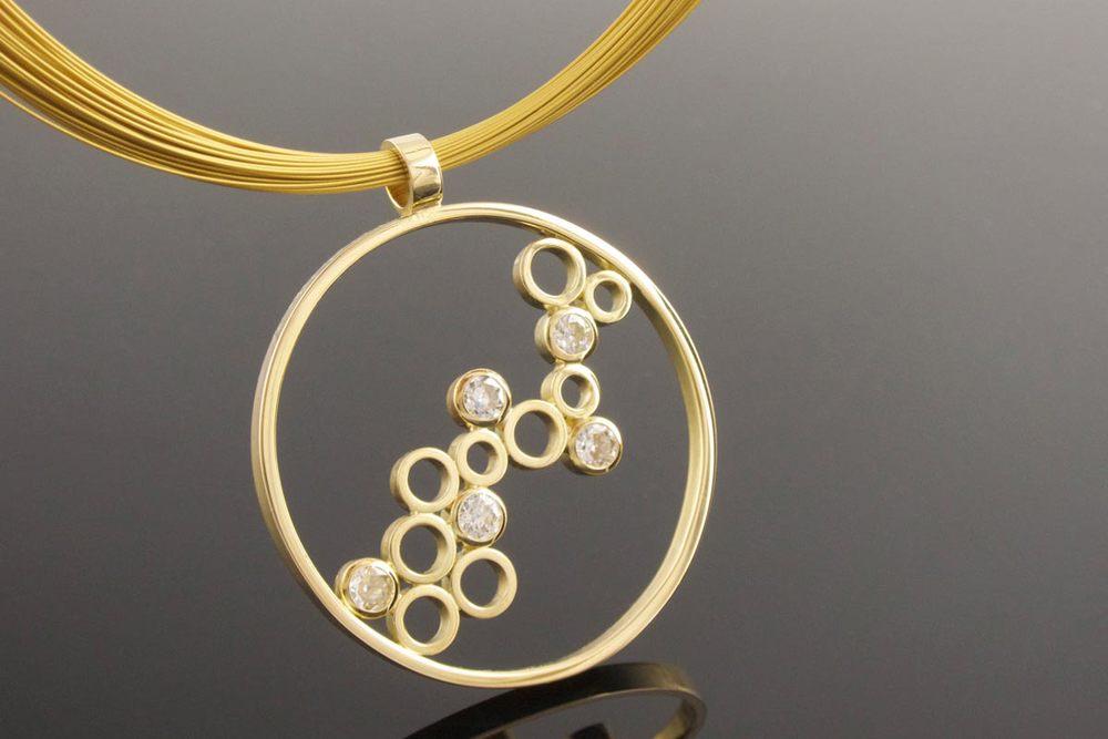 Handmade 18ct yellow gold diamond circle pendant