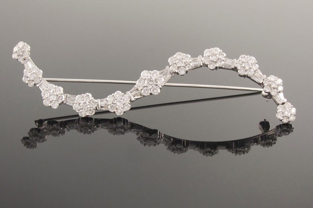 18ct white gold diamond brooch