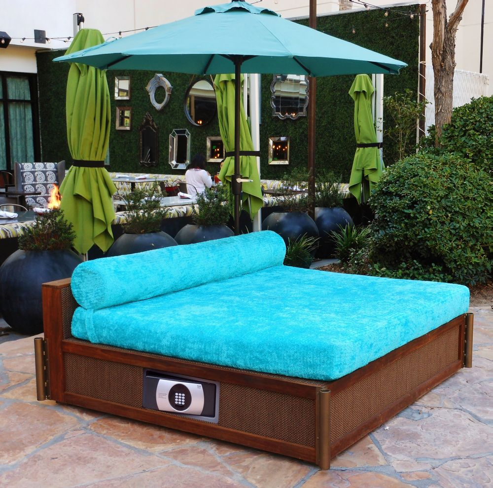 turquoise daybed safe web.jpg