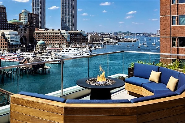 lookout-rooftop-boston-seaport.jpg
