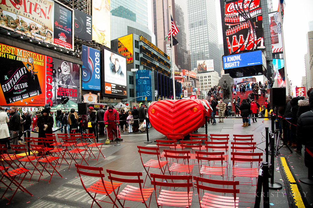TIMES_SQUARE_VALENTINES_WEDDING_02.jpg