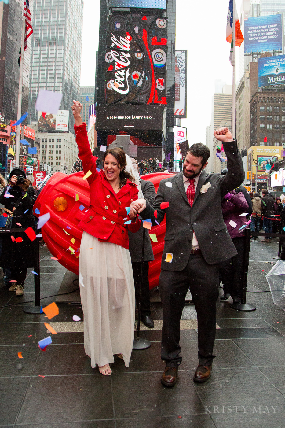TIMES_SQUARE_VALENTINES_WEDDING_08.jpg