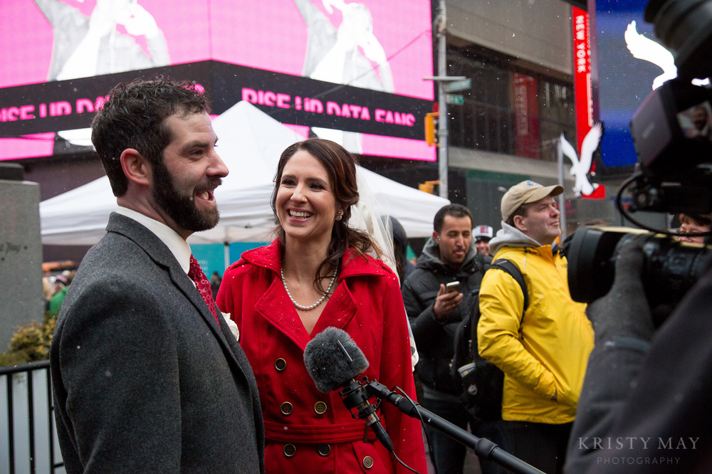 TIMES_SQUARE_VALENTINES_WEDDING_10.jpg