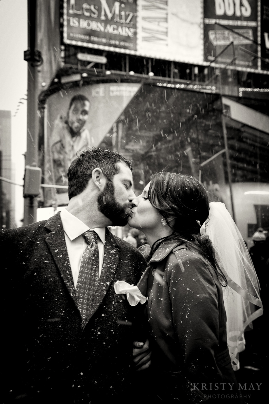 TIMES_SQUARE_VALENTINES_WEDDING_11.jpg