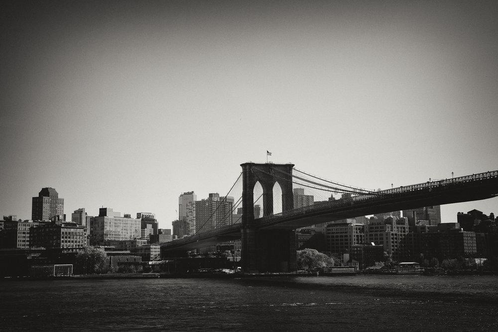 Black_White_Brooklyn_Bridge.jpg