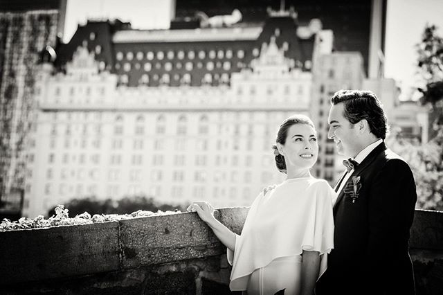 Nothing more classic for a New York Wedding or Elopement than the Plaza as a backdrop and Central Park's Gapstow Bridge. . . #gapstowbridge #centralpark #plazahotel #weddingblog #weddingblogger #blacktiewedding #loveauthentic #classicwedding #weddingphotos #nycelopement #weddingmoments #bridebook #vscowedding #huffpostweddings #newyorkweddingphotographer #nycweddings  #theknot #radlovestories  #elopement #photobugcommunity  @wedphotoinspiration