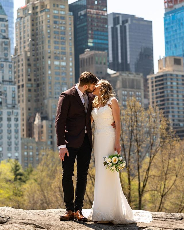 One more sneak from this Central Park wedding! Cat Rock is one of the best places to see the skyline near the ground in NYC. . . . #weddingblog #weddingblogger #loveauthentic #junebugweddings #weddingphotos #nycelopement #weddingmoments #bridebook #vscowedding #huffpostweddings #newyorkweddingphotographer #nycweddings  #theknot #radlovestories  #elopement #photobugcommunity  @wedphotoinspiration @greenweddingshoes