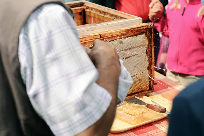 raw_honey_dieppe_market.jpg