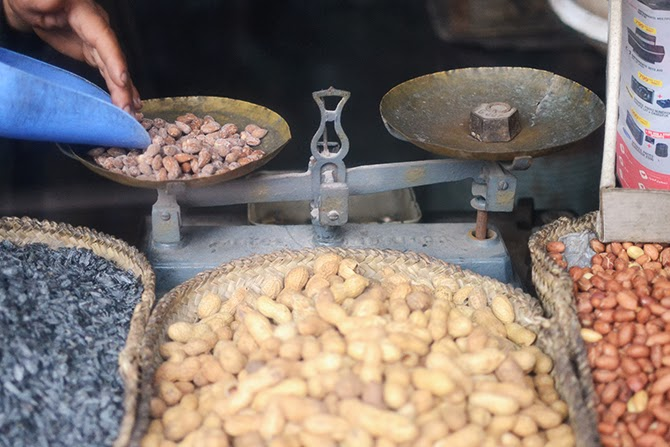 nuts_stand_marrakech.jpg