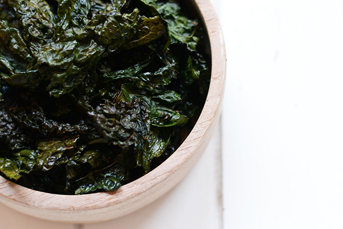 make_your_own_kale_chips