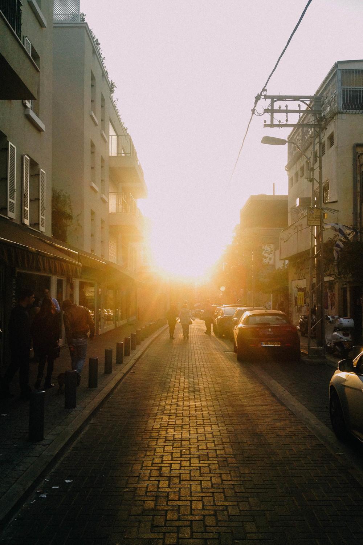 Glowy_light_TelAviv