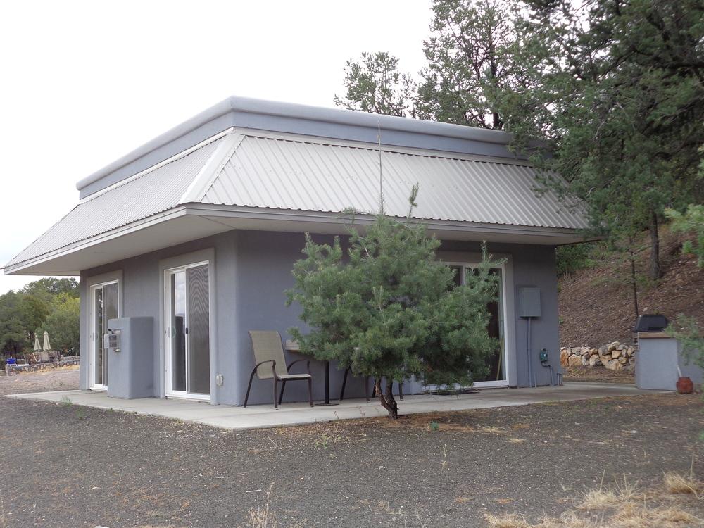 McGregor cabin.JPG