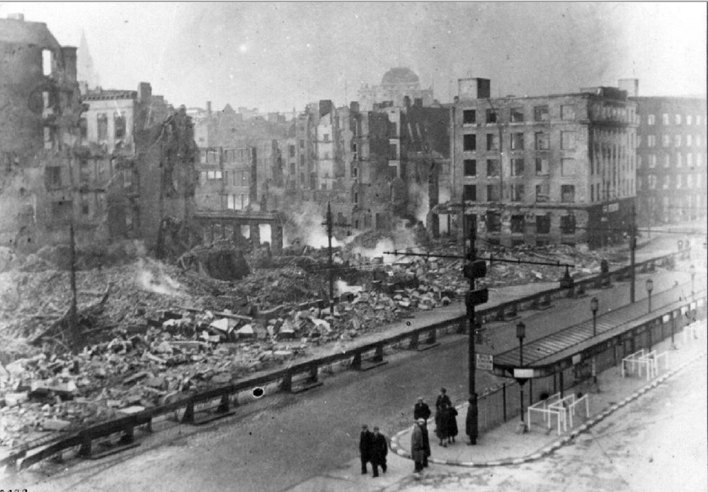 the site of Piccadilly Plaza after the 1940 bombing, image care of Manchester Libraries, ref m04324