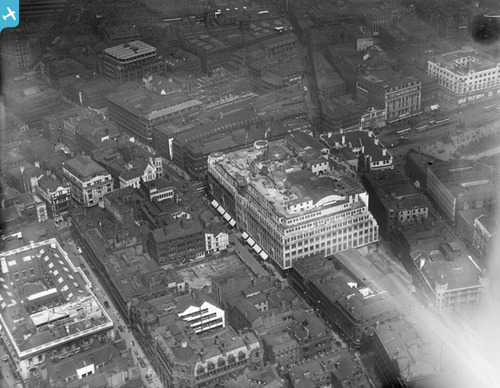 The top left of this image is some of Cromford Court prior to the Arndale being built [Aerofilm]