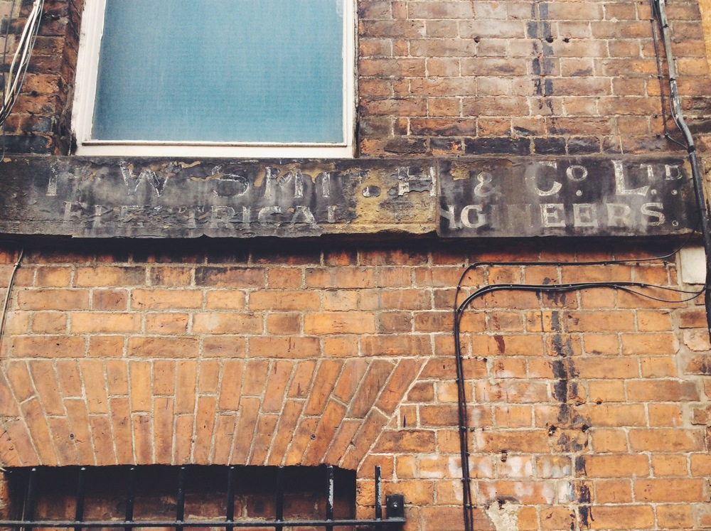 Tasle Alley ghost sign