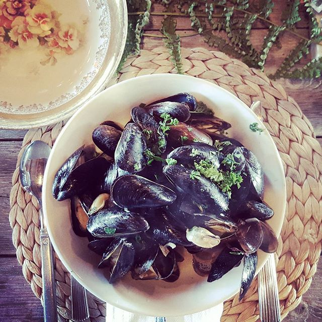 bowl of mussels.jpg