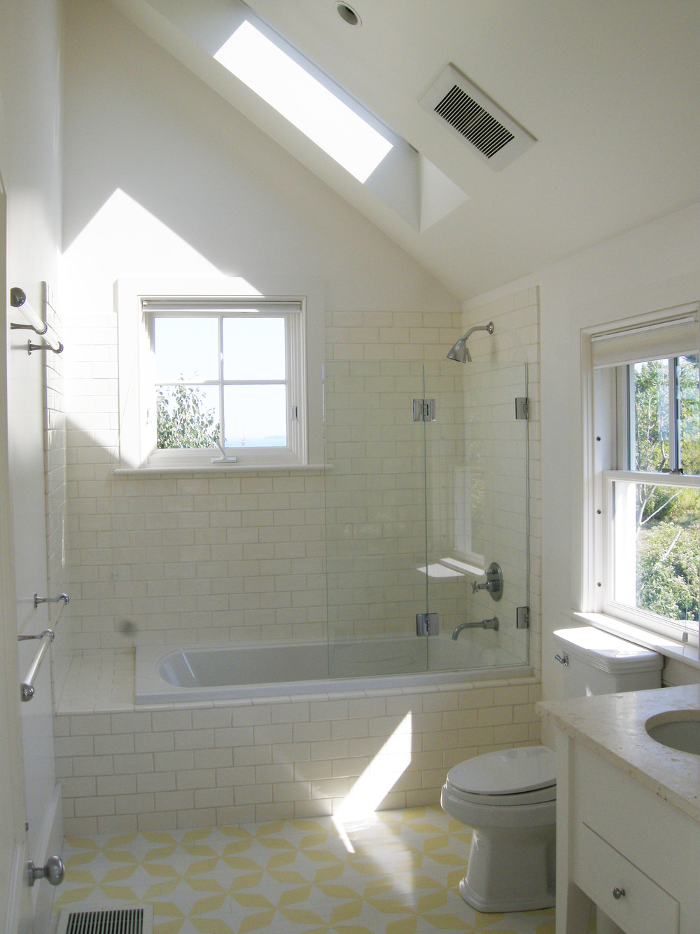 4 Lamont island house guest bathroom-edit.jpg