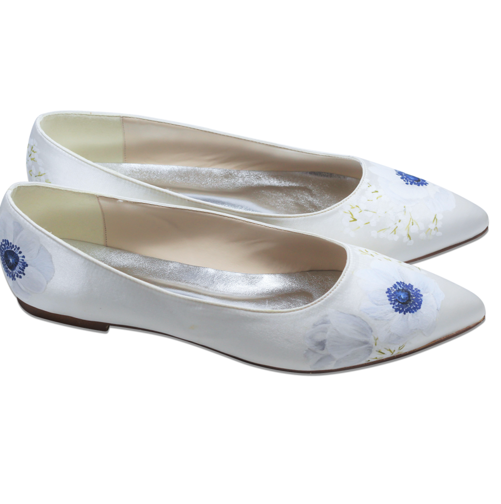 Pointed flat ivory satin shoe, with hand-painted white anenome flower