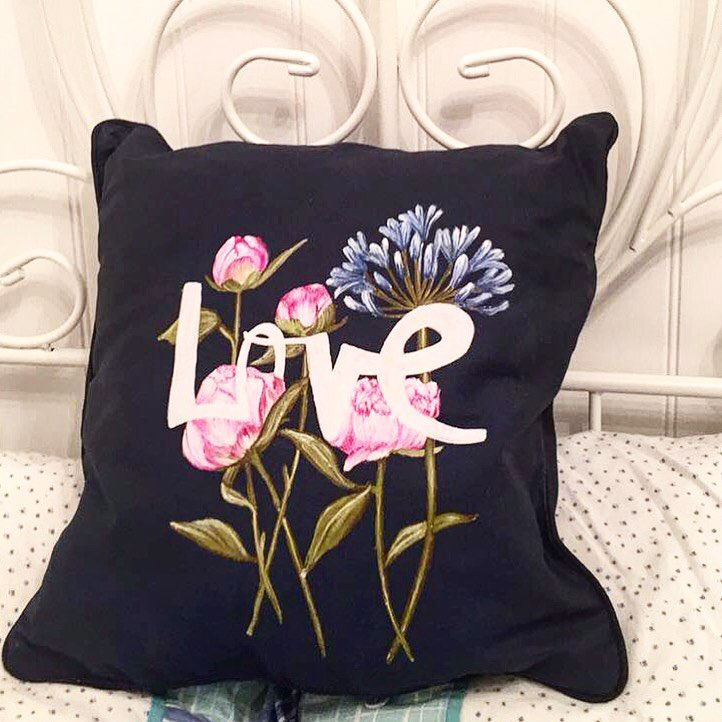 Love print cushion