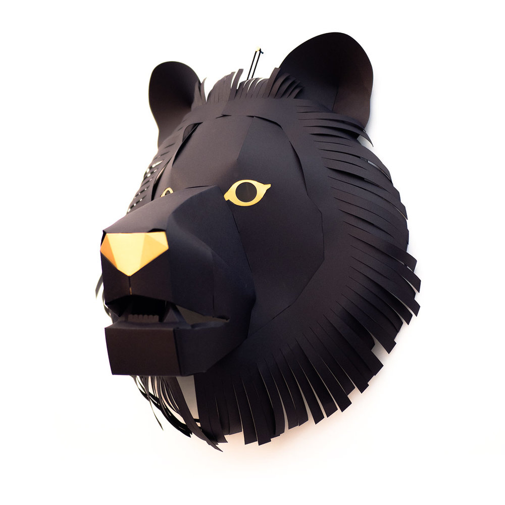 Trophy2018-Lion_M_BLK_side.jpg