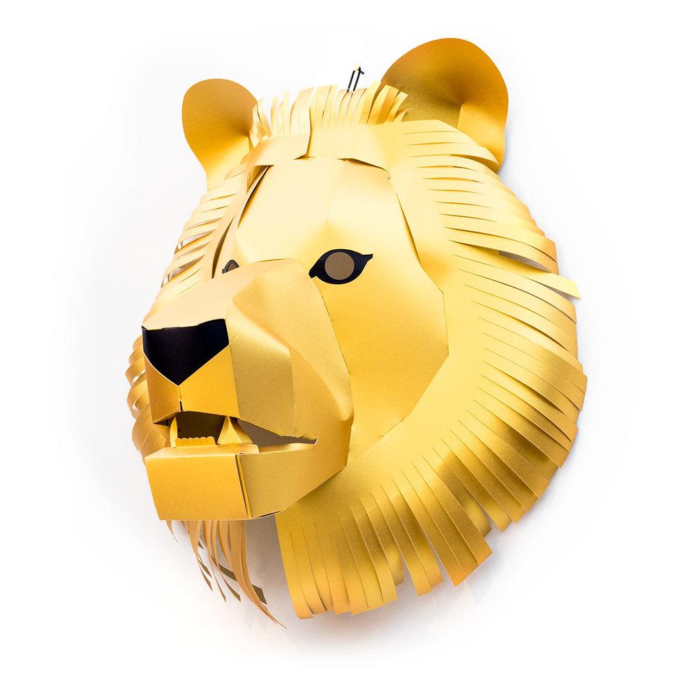 Trophy2018-Lion_M_GLD_side.jpg