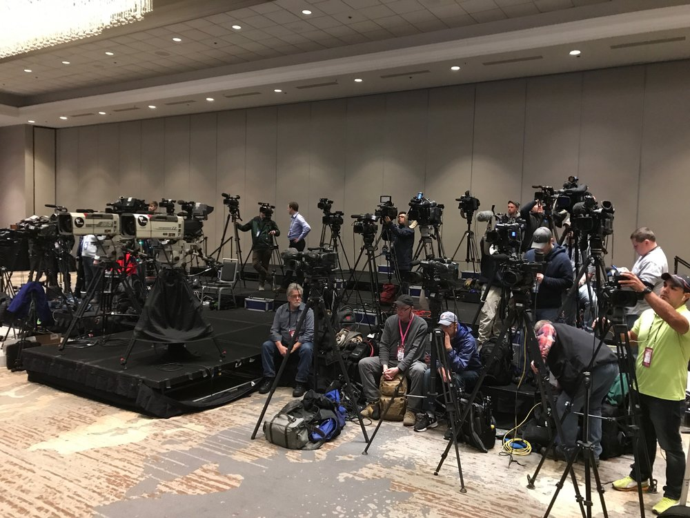 Super Bowl 52 - Press gathered to film Justin Timberlake's press conference in Minneapolis.  The LiveU comes in handy when satellite trucks are not convenient or available.