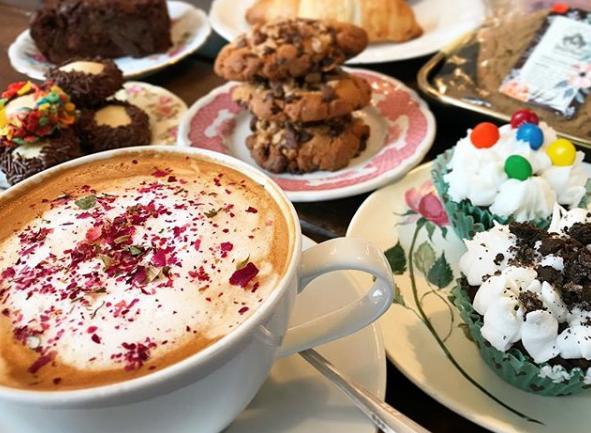 Cream Parlor's Delicious Desserts