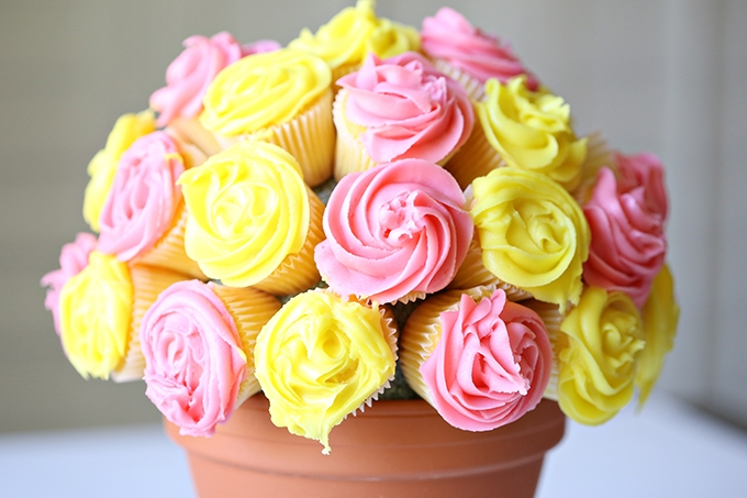 Flower-Cupcake-Bouquet-8-copy (1).jpg