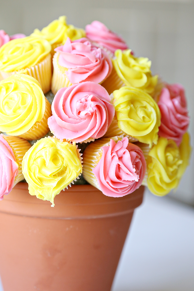 Flower-Cupcake-Bouquet-7-copy.jpg