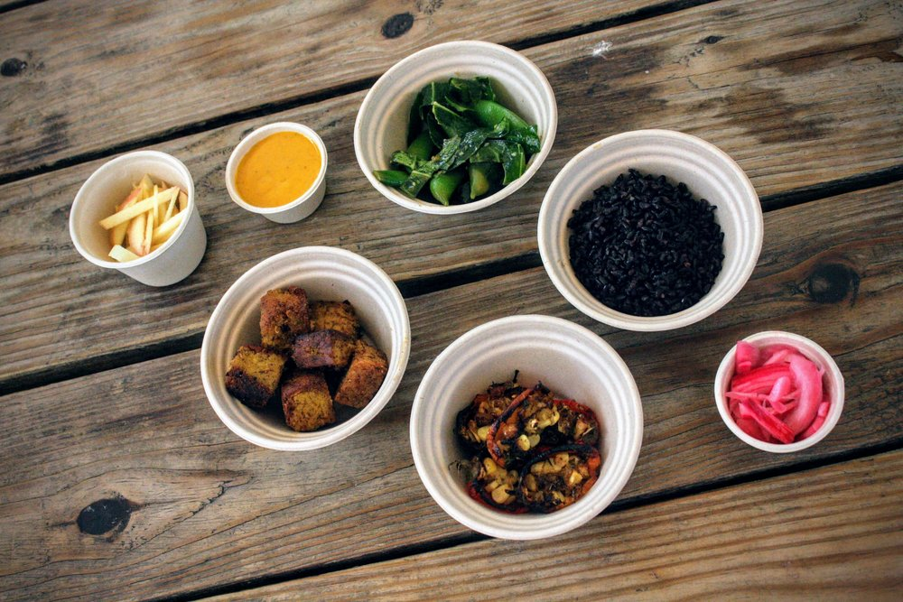 Della Test Kitchen Bowls