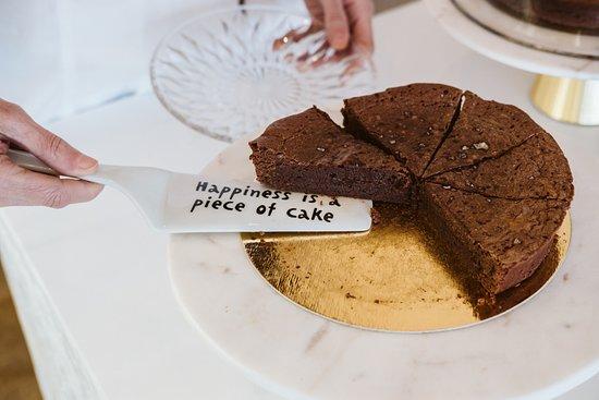 dark-chocolate-cake-finished.jpg