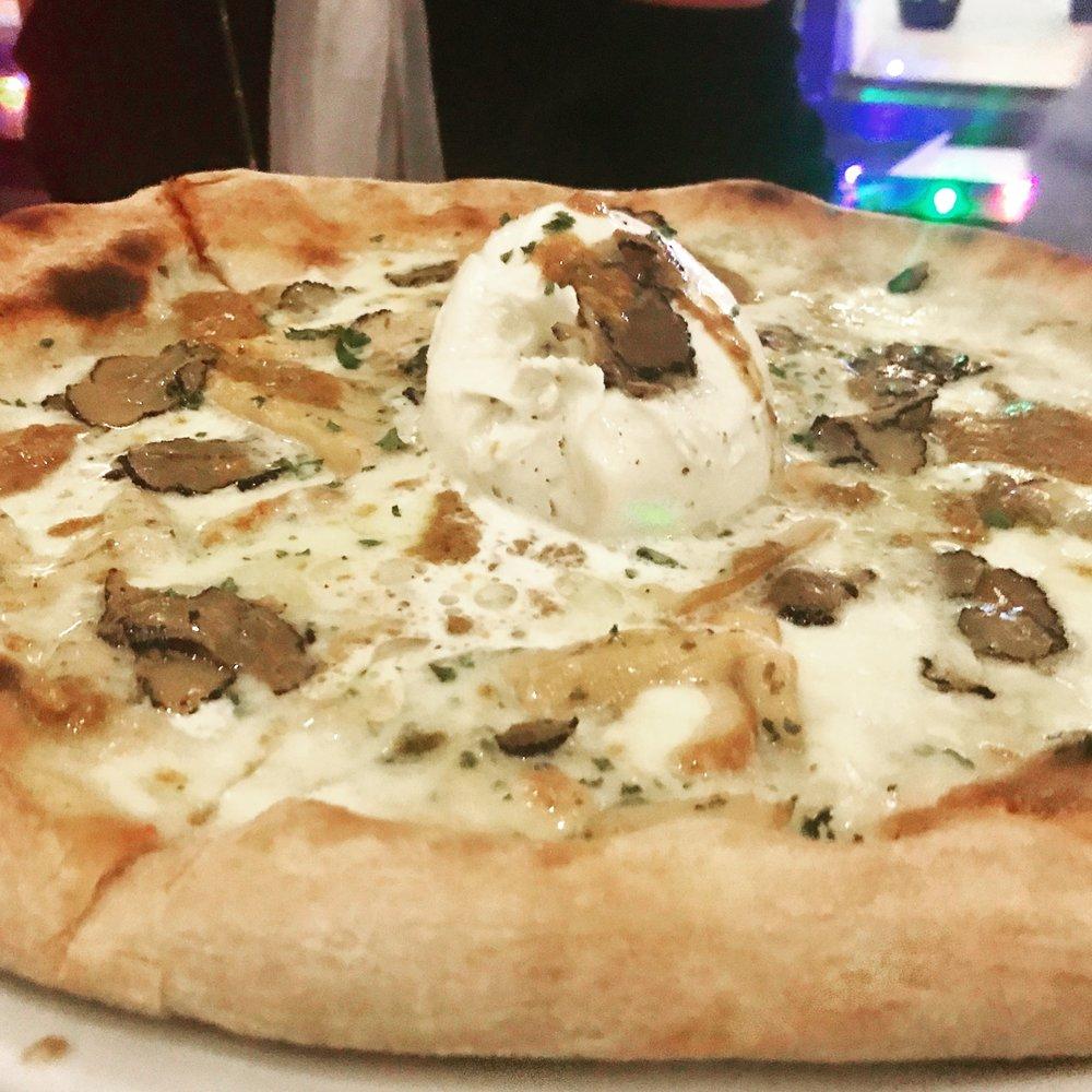 Capri Truffle White pizza