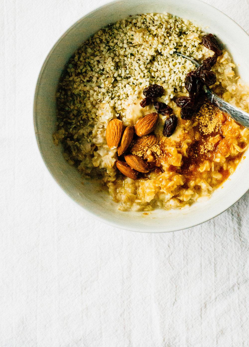 clean eating breakfast idea oatmeal
