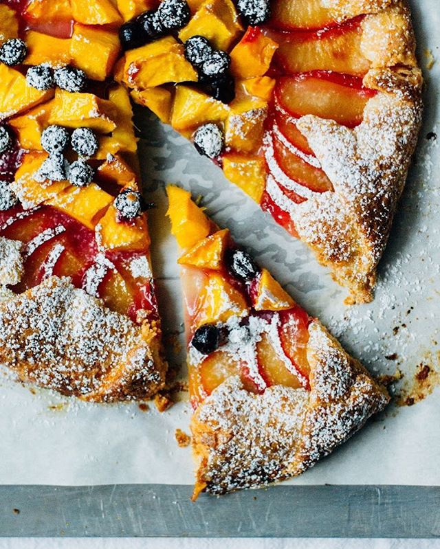 I'm hard at work updating the blog and so far so good. However, going through each post will take some time! I hope in the meantime you'll go make this mango plum galette! You can use any fruit you'd like really. Link in profile lovelies!