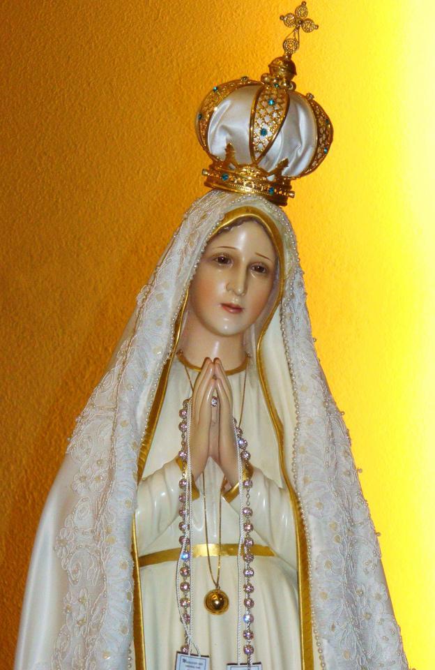 Our_Lady_of_Fátima.jpg