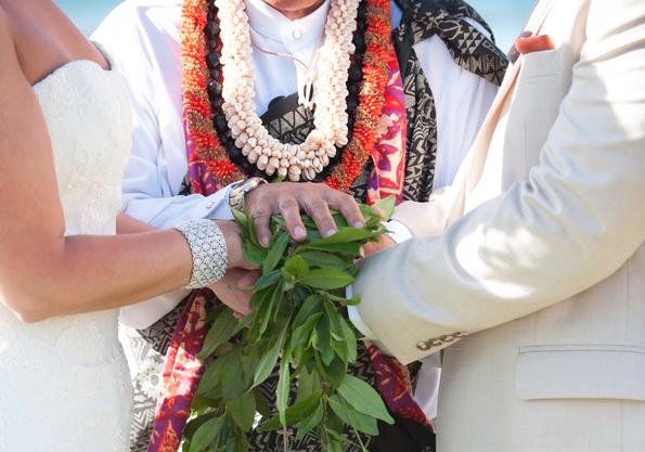 Bespiel Leis von Hawaii. Foto courtesy and property of: Modern Weddings Hawaii.